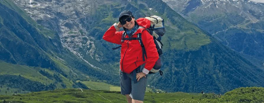 Tania beginnt den Aufstieg aufs Matterhorn