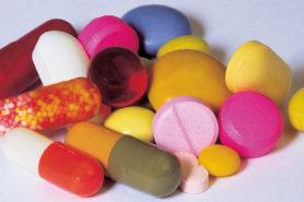 Verschiedene farbige Pillen