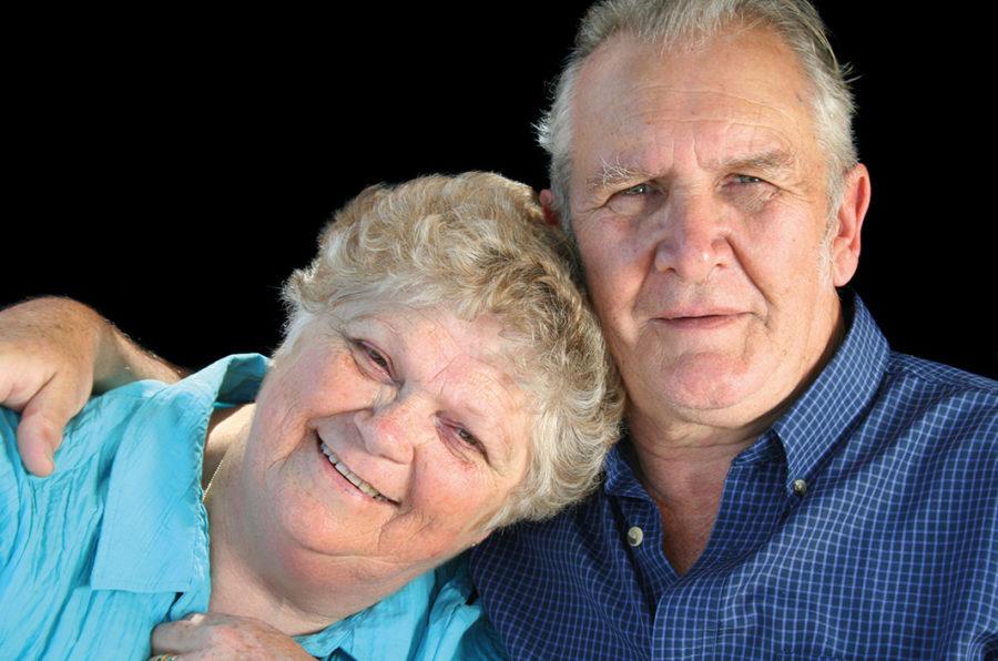 Älteres Paar lächelnd